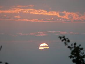 Photo: Ondergaande zon in Bhogteni