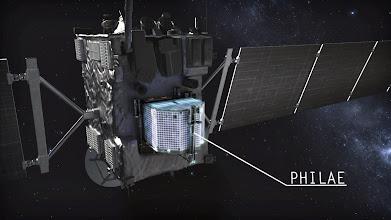 Photo: Am Freitag, 28. März wird der Kometenlander #Philae (an Bord von Rosetta Mission) in Betrieb genommen. Wer möchte in #Köln live dabei sein? Infos zu den Teilnahmebedingungen in den DLR-Blogs: http://www.dlr.de/blogs/desktopdefault.aspx/tabid-5921/9755_read-707  (FW) Bild: DLR (CC-BY 3.0) #Blogger #Follower #Raumfahrt