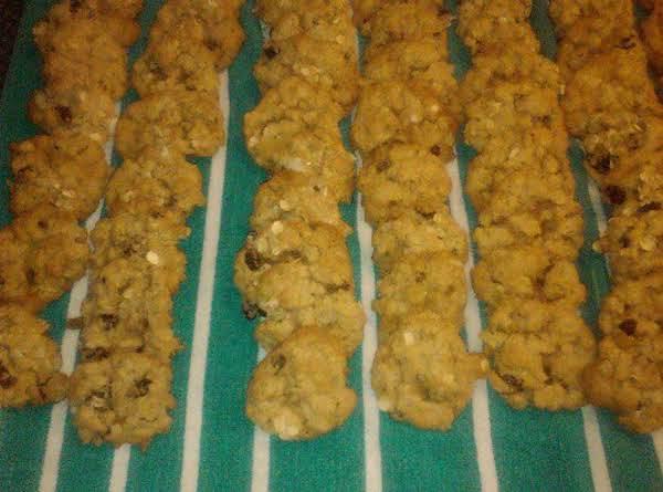 Mmmm Oatmeal Raisin Cookies Recipe