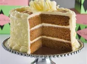 Humming Bird Cake & Cream Chesse Frosting