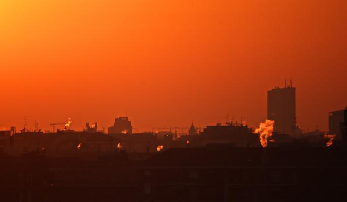 Skyline di Milano in un tramonto invernale di jovi55