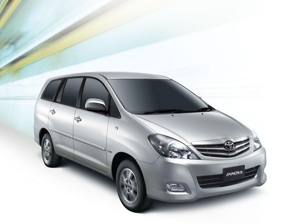 Xem xét xe xe Toyota Innova của nơi cấp phát dịch vụ