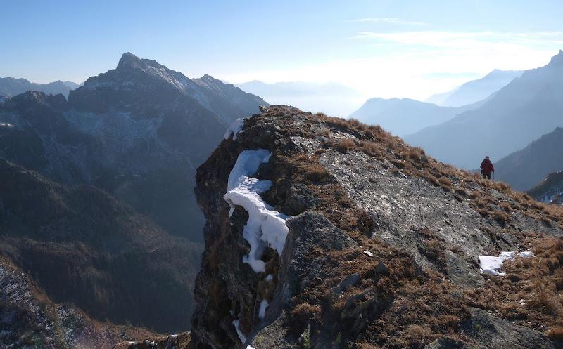 Soli di fronte alla montagna di Marta Brambilla