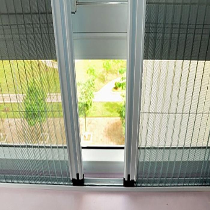 Giá cửa lưới chống muỗi dạng xếp bền bỉ, dễ sử dụng