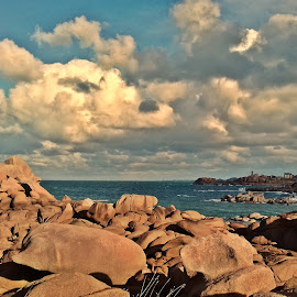 Tregastel by Ciprian Apetrei - Landscapes Beaches ( samsung, ocean, mobile photos, clouds, brittany )