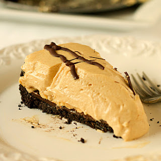 No-Bake Creamy Peanut Butter Pie.