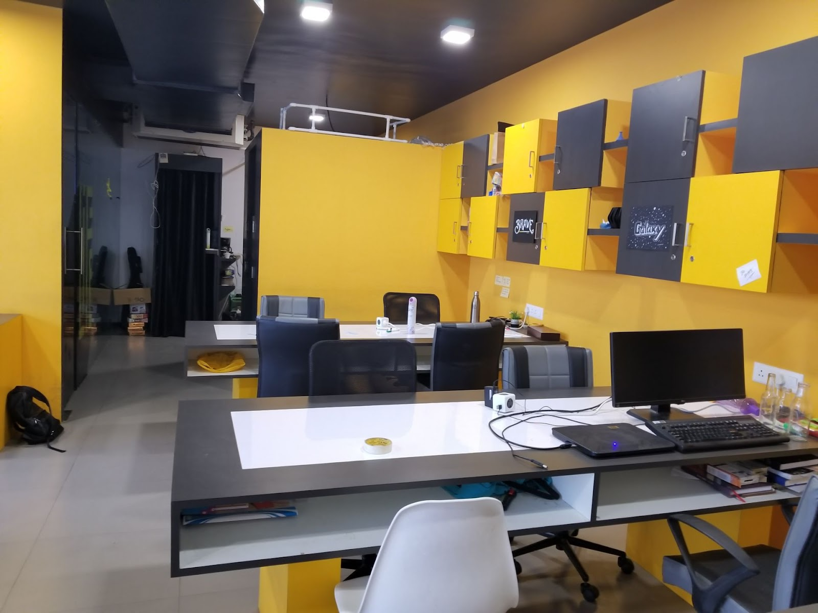SPACEPLEXX Coworking space in surat