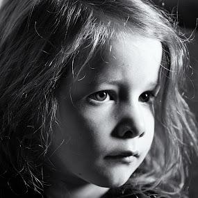 Rebecca by Simon Hall - Black & White Portraits & People (  )
