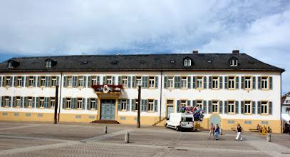 Photo: gegenüber dem Speyrer Dom