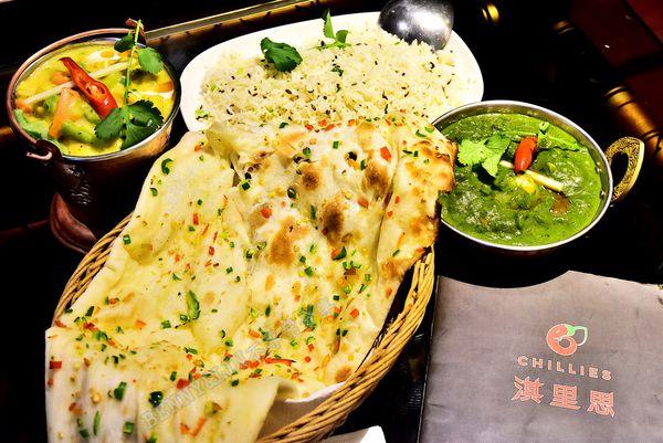 鄰近美術館旁道地印度美食料理,提供多樣口味烤餅、咖哩可選擇 -- 淇里思印度美食餐廳