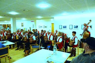 Photo: Mit den lüpfigen Klängen konnten wir die Besucher und Heimbewohner begeistern