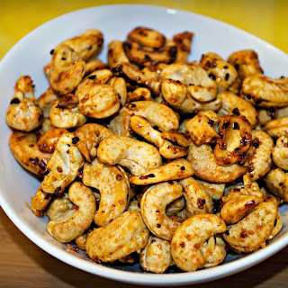 Spicy Sriracha Honey Cashews