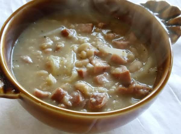 Super Easy Kielbasa Bean Soup