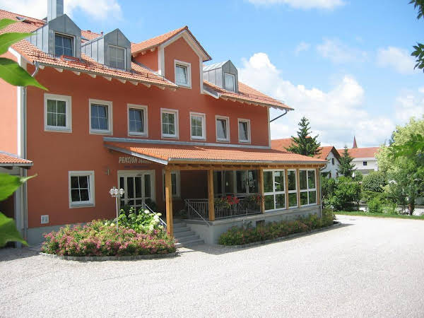 Hotel-Pension Scharl am Maibaum