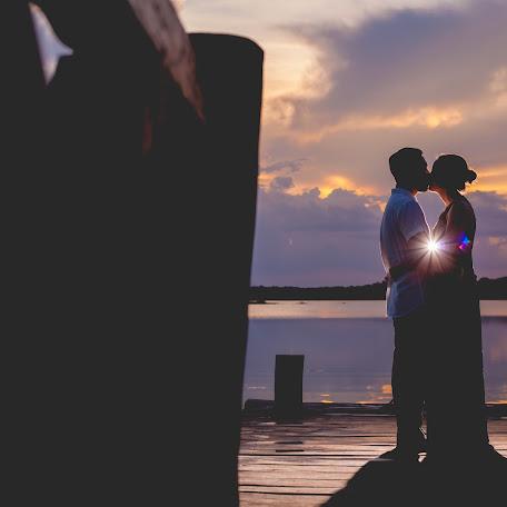 Wedding photographer Emily Wicker (emilywicker). Photo of 24.07.2016