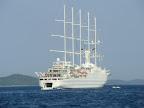 Kreuzfahrtschiff bei Zadar
