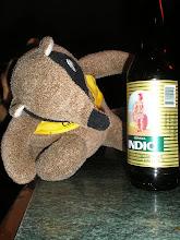 Photo: dia 01.10: Quati e a cerveja Indio