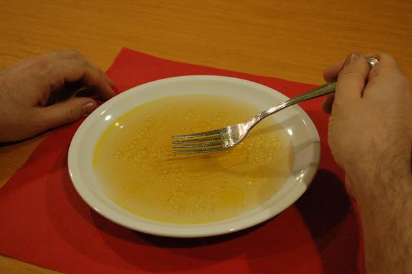 utile come una forchetta con il brodo di luchetto