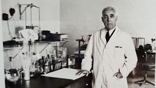 López Vizcaíno en el Instituto Provincial de Sanidad.