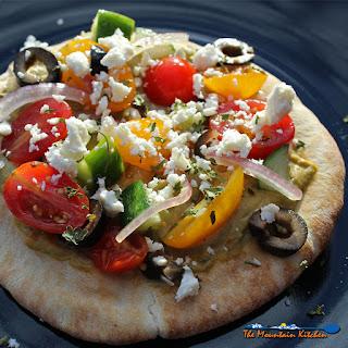 No-Bake Greek Pizzas