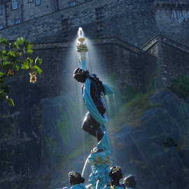 Having a shower  by Mike Baggott - Buildings & Architecture Statues & Monuments ( fountain, castle, princes st gardens, long exposure, water )