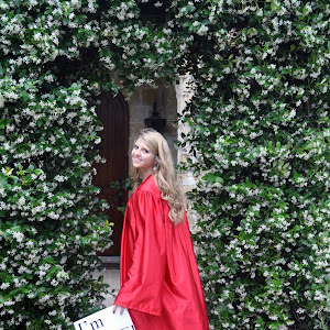 152804 Taylor I'm Done red robe_0341.jpg