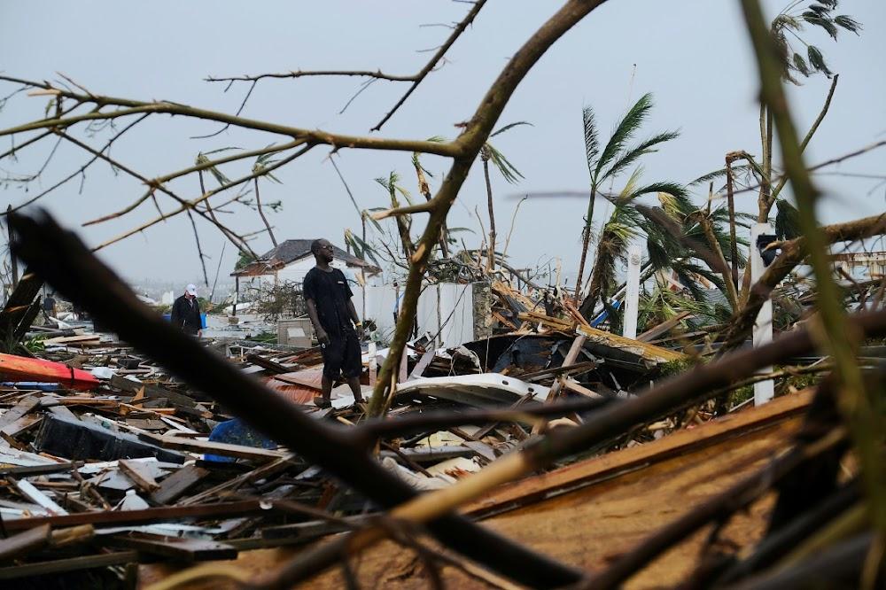 Die orkaan Dorian nader die ooskus van die VSA nadat hy 'n verwoesting in die Bahamas veroorsaak het