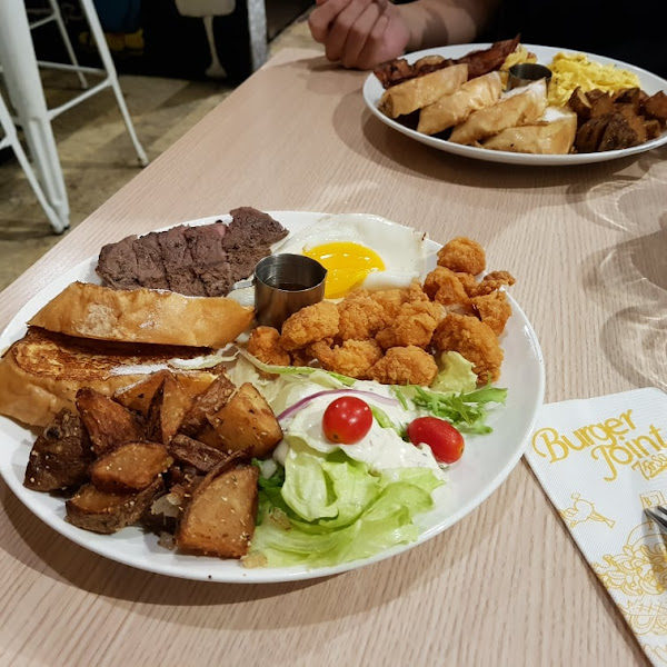 Burger Joint 7分So美式廚房。食尚玩家二度推薦,豐盛又好吃的紐約皇后早午餐!