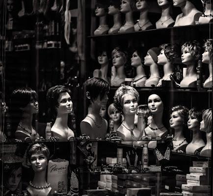 la stanza delle parrucche di Alessi Girlando
