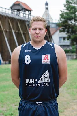 #8 Julius Veenhof