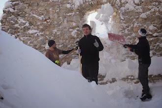 Photo: ešteže má hrad toľko okien, cez ktoré sa dá vyhadzovať sneh