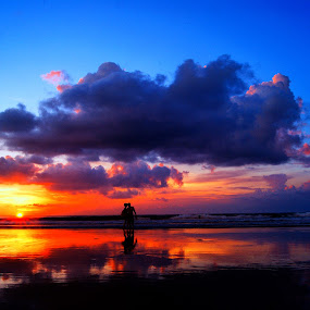 It's Our Sunset by Frans Widi - People Couples