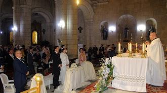 Los novios, María del Mar y Manuel Javier, con los padrinos, José Luis y Mati.