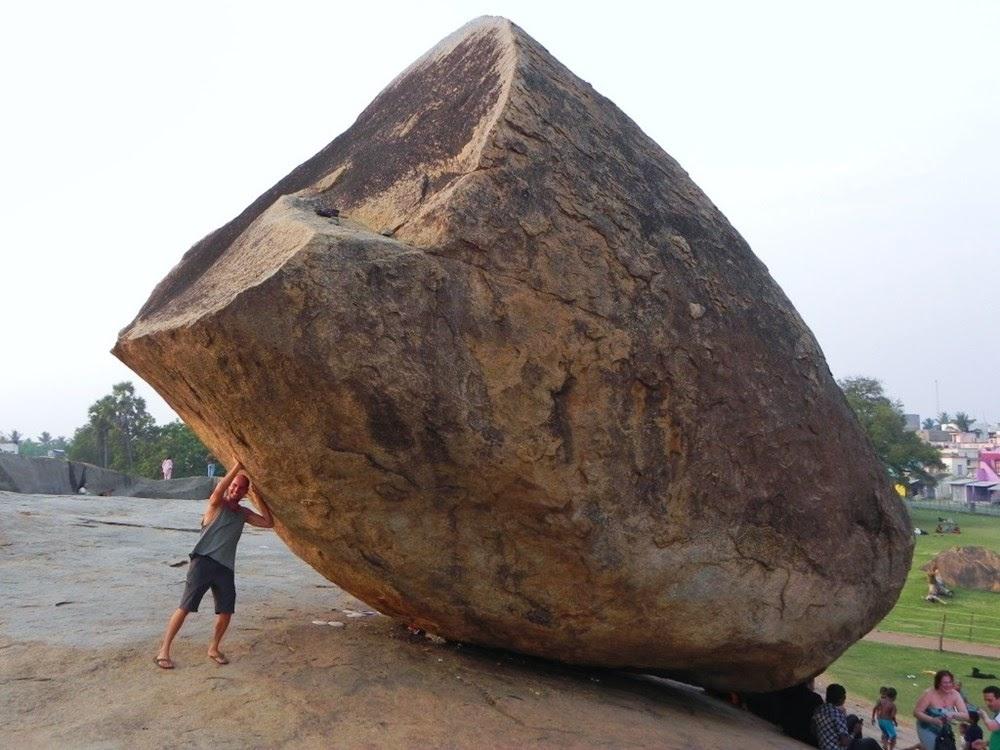 Bola de Manteiga de Krishna, a rocha de 250 toneladas