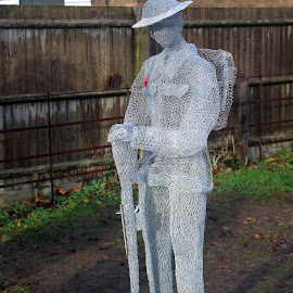 Slimbridge Armistice Day Tribute by John Davies - Artistic Objects Other Objects ( wire soldiers, jackie lintelli, we will remember them, artist, st john the evangelist church, slimbridge, tamron af 18-200mm f/3.5-6.3 xr di ii ld, soldiers, jd photography, canon eos7d mk2, armistice day. armistice100 )