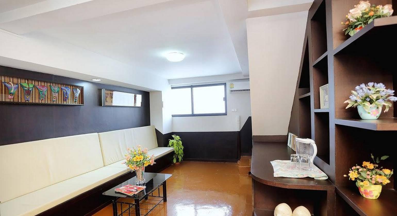 Baan Namtarn Guest House