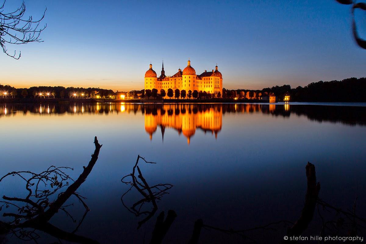 Photo: Moritzburg Schloss mit See im Abend 1 - Foto von Stefan Hille