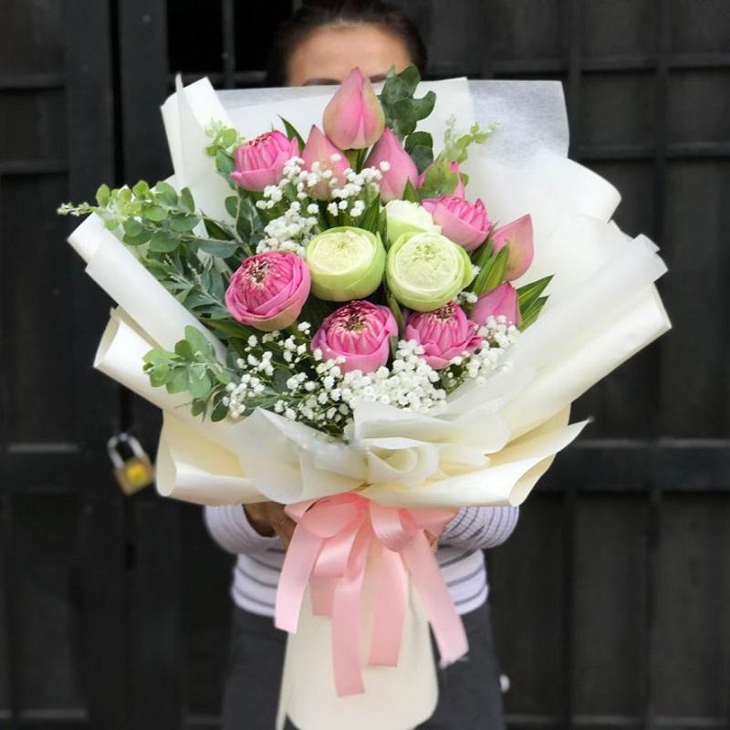 hoa sen tặng mẹ việt  nam