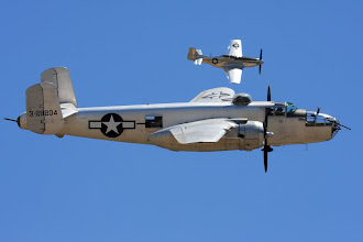 Photo: B-25J a P-51D