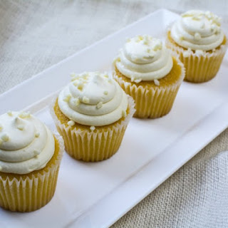 Exquisite White Cupcakes With Delicate Icing