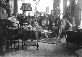 Photo: Langenkampweg 120 Driene, utmost left my grandmother, utmost right my grandfather, left of him my father