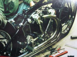 Entretien d'une Moto effectué par Machines et Moteurs à Eaubonne