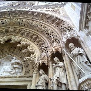 008iznad ulaza katedrale.jpg