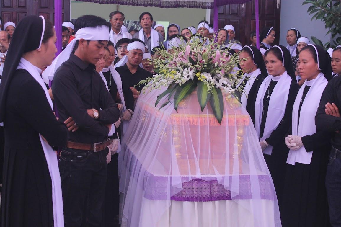 Thánh Lễ An Táng Nữ Tu Anna Trần Thị Phượng - Dòng Mến Thánh Giá Vinh - Ảnh minh hoạ 12