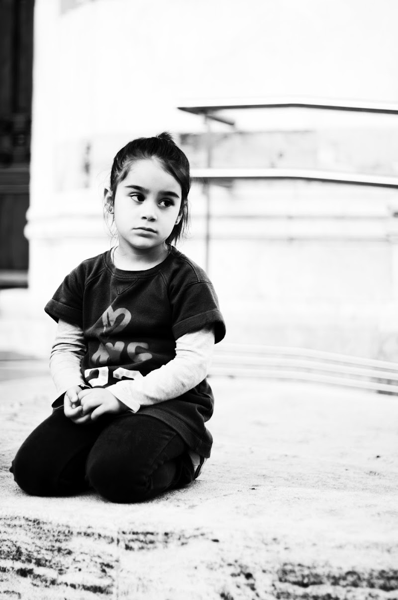 Bambina di dinosimone