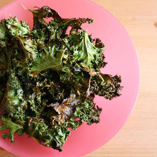 How to Make Crispy Baked Kale Chips