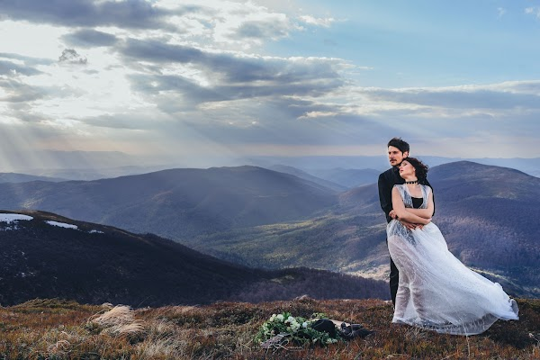 Wedding photographer Roman Karlyak (4Kproduction). Photo of 10.12.2017