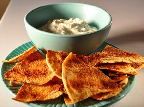 Tzatziki ( Greek Style Cucumber And Youghurt Dip With Dill)