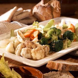 Bagna Cauda mit Gemüse und Brot