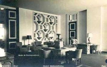 Photo: Sala de Correspondência do Palácio Quitandinha. Foto da década de 40